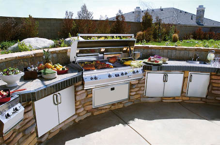 outdoor-kitchen-cabinets-and-stove